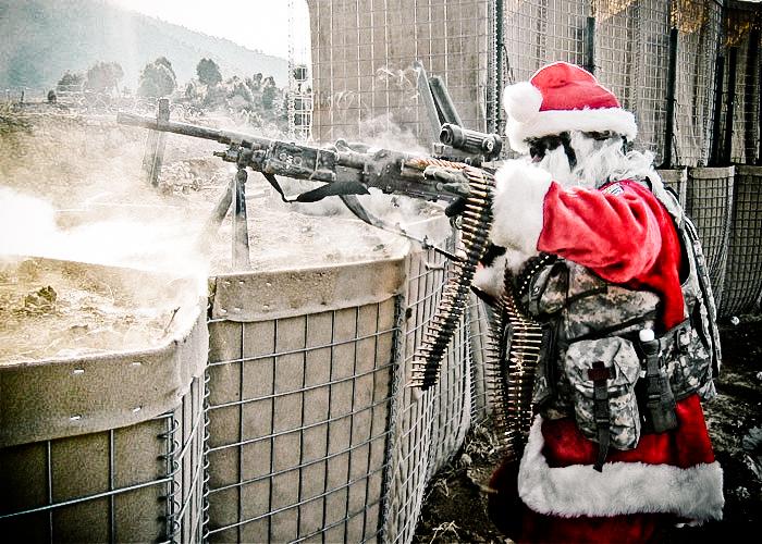 [Image: santa_as_machinegunner-2.jpg]