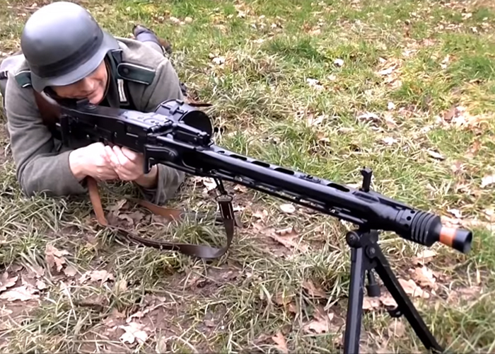 Burntwolf Airsoft: AGM S&T MG42 Review