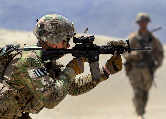 U.S. Army Soldier Firing M4 (US Army Photo)