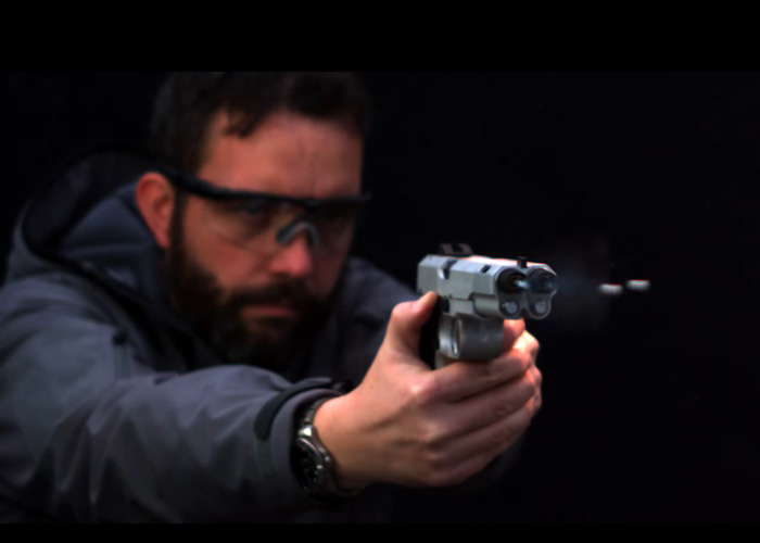 Cybergun的氣槍AF2011 Dueller棱鏡