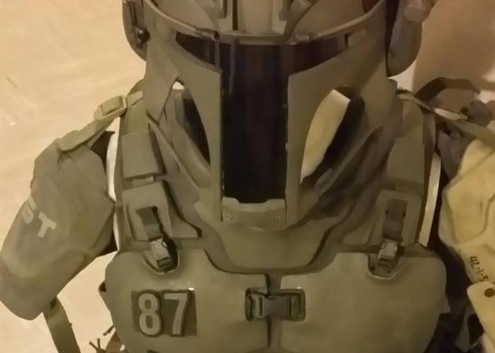 Ryan Flower's Mandalorian Combat Suit