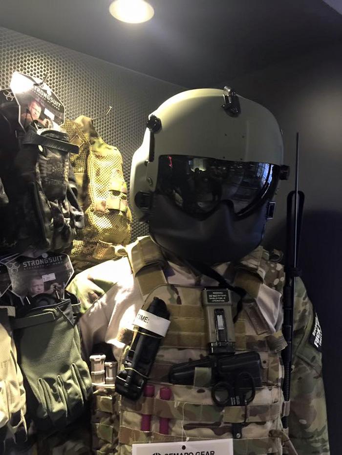 UH-60 Blackhawk Door Gunner Replica Helmet & UH-60 Blackhawk Door Gunner Replica Helmet | Popular Airsoft